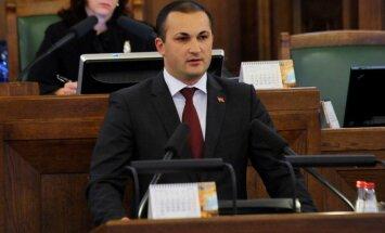 Saeima šonedēļ lems par Naudiņa apstiprināšanu ministra amatā