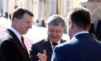 Порошенко: Латвия — эффективный адвокат Украины в Евросоюзе