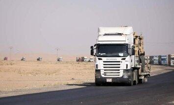 ASV uz Rožavu nosūta 100 auto ar militāro ekipējumu