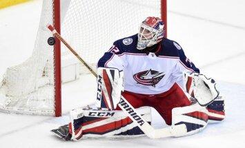 Uz Krievijas hokeja izlasi izsaukti NHL spēlētāji Panarins un Bobrovskis