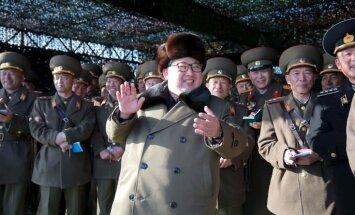 Ziemeļkoreja atkal izšauj ballistisko raķeti pāri Japānai