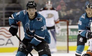 Bļugera un Balcera komandas piedzīvo zaudējumus NHL pirmssezonas pārbaudes spēlēs