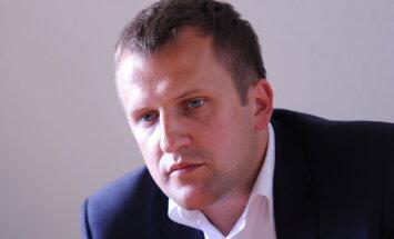 'Aldara' valdes loceklis Artūrs Ilziņš atkāpies no amata