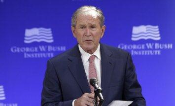 Bušs brīdina par Trampa radītiem draudiem demokrātijai