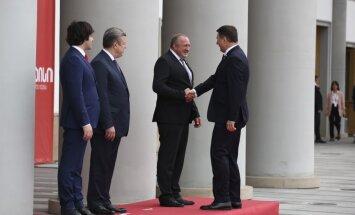 Вейонис поздравил Грузию со столетием государства