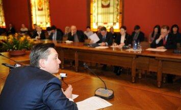 Pusgada laikā kļuvis zināms par vairāku Saeimas deputātu nonākšanu konfliktā ar likumu