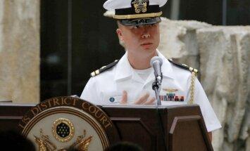 ASV flotes virsnieks apsūdzēts par spiegošanu Ķīnas un Taivānas labā