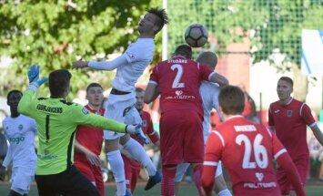 Latvijas aizdomīgo futbolistu sarakstā ap 20 cilvēku; likmes uz spēli sasniedz miljonu eiro