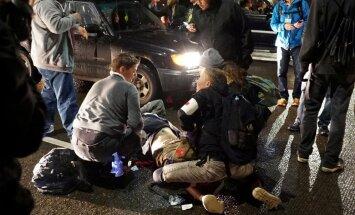 Protestā pret Trampu sašauts demonstrants