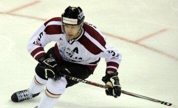 Sprukts un Kulda savos KHL klubos debitē ar mainīgām sekmēm