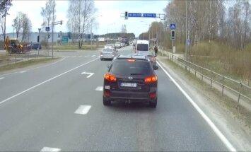 ВИДЕО: Ситуация на светофоре - а вы бы пропустили такого водителя? (+ продолжение)