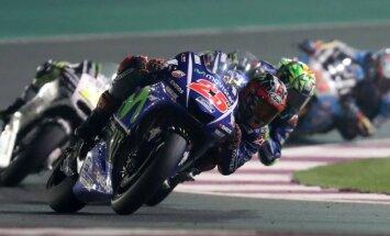 Spānis Vinjaless izcīna uzvaru 'MotoGP' sezonas dramatisku notikumu pārpilnā pirmajā posmā