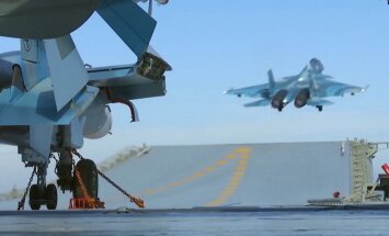 Vidusjūrā avarē jau otrais Krievijas iznīcinātājs no bāzes kuģa 'Admiral Kuzņecov'
