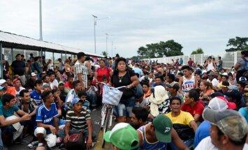 Караван мигрантов: пропустит ли Мексика тысячи беженцев, идущих в США?