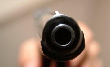 ASV četrgadīga meitenīte nejauši nošauj brālēnu