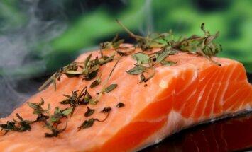 Simtiem cilvēki saslimuši ar salmonelozi pēc Nīderlandē kūpināta laša ēšanas