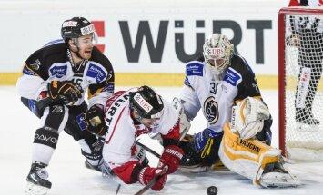 Merzļikins un 'Lugano' izcīna uzvaru Šveices hokeja regulārā čempionāta spēlē