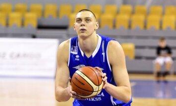 Latvijas basketbola izlases treniņiem pievienojies centrs Iļja Gromovs
