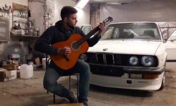 Video: Līvānos jaunietis iedziedājis BMW veltītu roka balādi