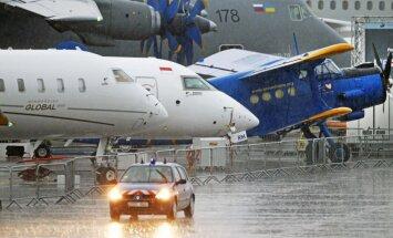 Parīzes aviācijas izstāde sākas ar lieliem pasūtījumiem gan 'Airbus', gan 'Boeing'