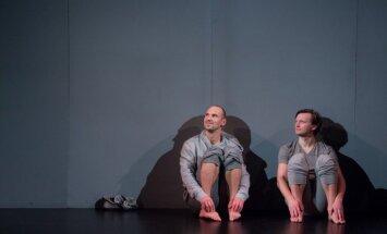 Foto: Valmieras teātrī iestudēta izrāde bērniem un vecākiem 'Staburaga bērni'