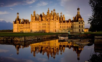 Torņi, mūri un krāšņi skati: Nosauktas skaistākās Eiropas pilis