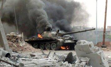 Sīrijas konflikts: Asads var palikt pie varas gadiem, paredz Izraēlas ģenerālis