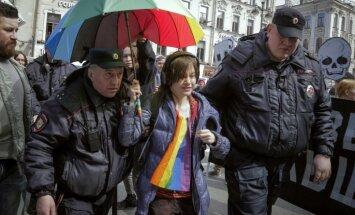 Sanktpēterburgā aizturēti aktīvisti, kuri protestējuši pret geju vajāšanu Čečenijā