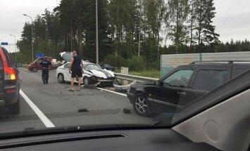 ФОТО: Авария на Таллинском шоссе - двое полицейских в больнице