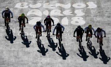 Edvards Glāzers uzvar Jaunatnes Olimpiādes puišu sacensībās BMX, bet paliek bez medaļas
