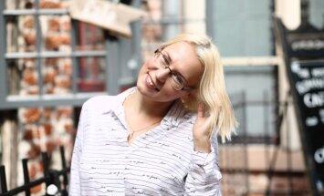Рижанка Елена Скуратова мечтает, что когда-нибудь по ее сказкам поставят спектакли в Кукольном театре