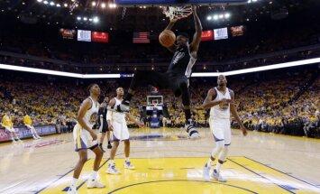Bertāns iemet 13 punktus; 'Spurs' sērijas otrajā mačā ļoti smagi kapitulē 'Warriors'