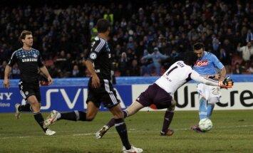 'Napoli' futbolisti atspēlējas un pieveic 'Chelsea'