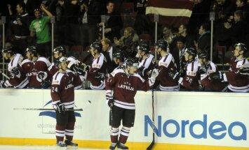 Latvijas hokeja izlase arī otrajā mačā pārspēj Dāniju