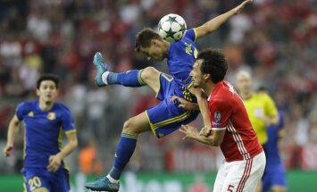 Bayern Mats Hummels, Rostov s Dmitri Poloz