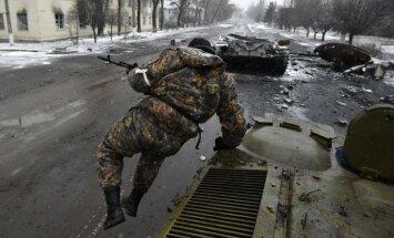 NVO un mediji gatavo augsni karam, brīdina eksperti