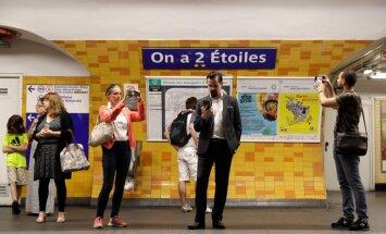 Parīzē sešas metro stacijas uz laiku tiks pārdēvētas Francijas futbola izlasei veltītos vārdos