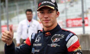 'Toro Rosso' Kvjatu nomaina ar F-1 debitantu Gaslī