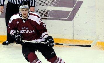 Latvijas hokejisti pārbaudes spēlē zaudē arī Austrijai
