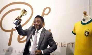 Peles balvas un trofejas izsolītas par 4,4 miljoniem eiro