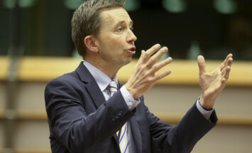 Vācijas EP deputāts: Dombrovskim vajadzētu brīdināt, kad izmanto satīru