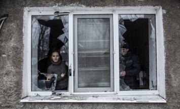 Ukraina Krievijai ar pirmdienu piedāvā pārtraukt uguni