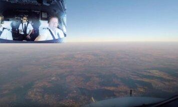 Video: Lielākās pasažieru lidmašīnas piezemēšanās no pilota skatupunkta