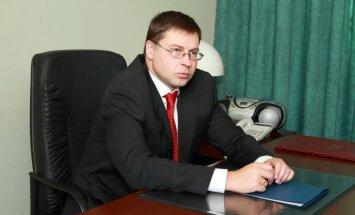 Dombrovskis: uzbrukums žurnālistam ir uzbrukums vārda brīvībai