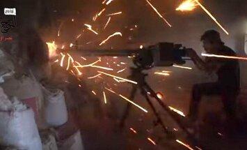 Kaujas dienu un nakti, tuneļos un uz jumtiem: Sīrijas režīms Alepo gūst virsroku pār opozīciju
