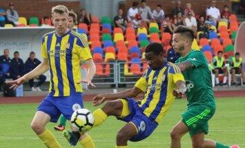 Kurzemes derbijā atkal uzvar FK 'Ventspils'; laukumā atgriežas arī Akinjemi