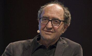 Spānijā atbrīvo pēc Turcijas pieprasījuma aizturēto Vācijas turku rakstnieku
