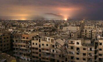 Putins pasludina 'humāno pauzi' Krievijas atbalstītā Asada smagi bombardētajā Austrumgutā