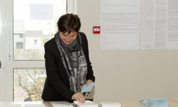 Francijas aizjūras teritorijās sākas balsošana parlamenta vēlēšanās