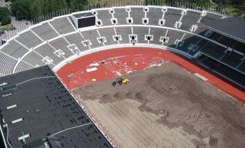Vairāk kā 10 000 cilvēku Helsinkos sazāģē veco Olimpisko stadionu